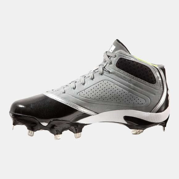 4bab33b6419 Under Armour Mens 10 Heater Mid Baseball Cleats